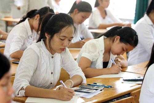 Trường không xét kết quả thi THPT Quốc gia lấy điểm sàn như thế nào?